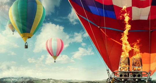 Heißluftballons heben ab