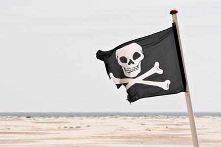 Piratenflagge am Strand