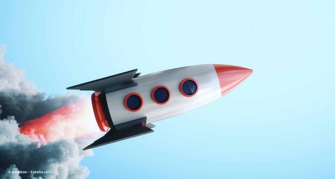 Rakete zündet den Türbo © peshkov – Fotolia.com